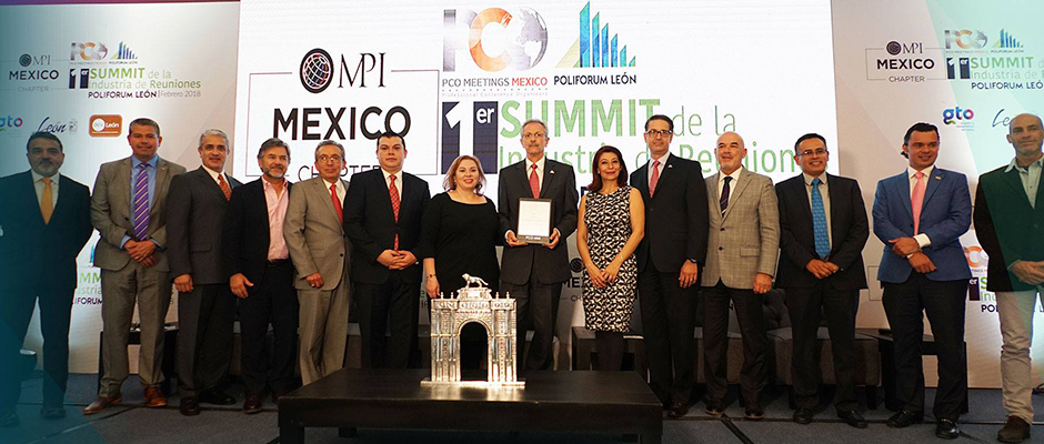 POLIFORUM LÉON RECIBE SELLO PCO MEETINGS MÉXICO
